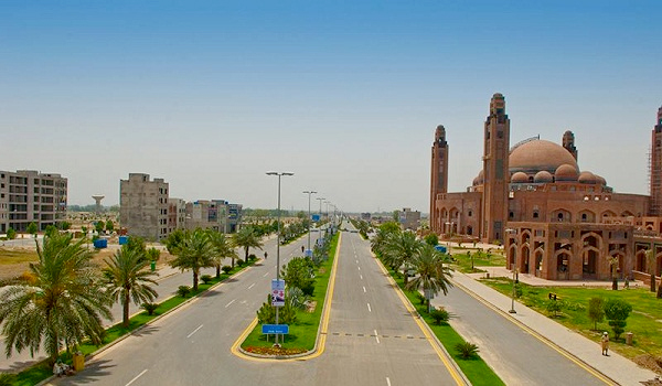 Why is Bahria Town Lahore the Preferred Investment Option?