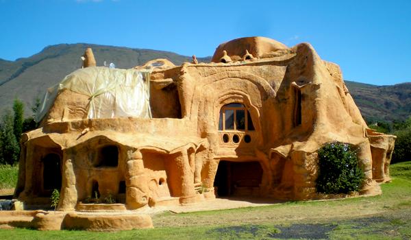 Few Unusual Homes Around the Globe
